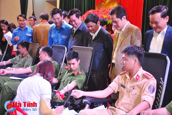 Thạch Hà tuyên dương 38 thanh niên hiến máu tình nguyện tiêu biểu