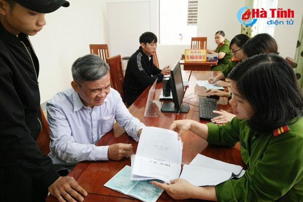 TTHC công Thạch Hà tiếp nhận 169 hồ sơ sau 2 ngày vận hành thử cấp CMND