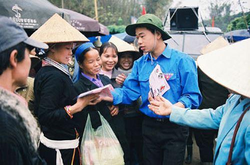 Rà soát chính sách tăng cường cán bộ trí thức trẻ về huyện nghèo