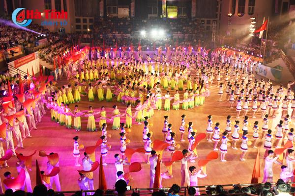 Ấn tượng màn thể dục nghệ thuật tại Đại hội TDTT Hà Tĩnh