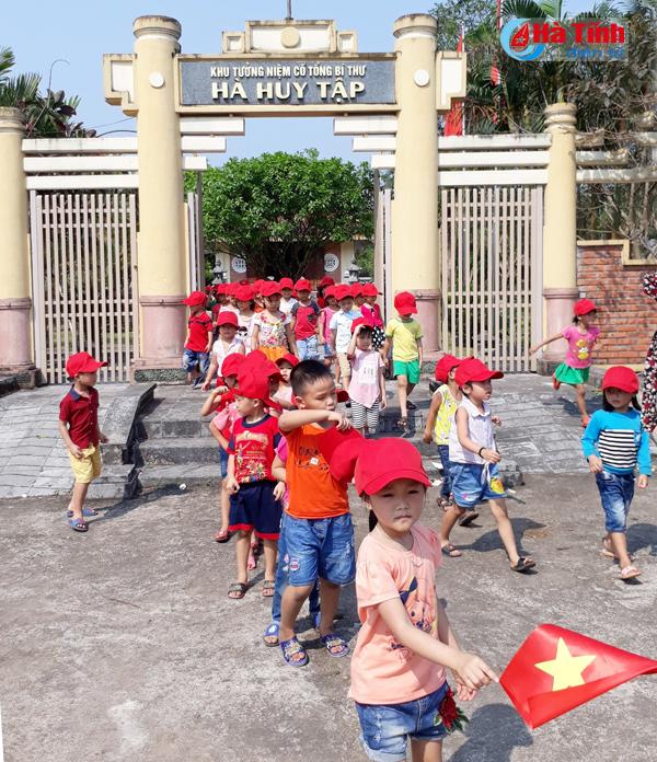 6.500 lượt khách thăm Khu di tích Tổng Bí thư Hà Huy Tập