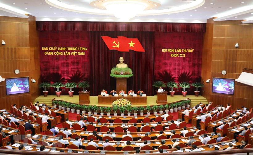 Toàn cảnh ngày làm việc thứ hai của Hội nghị Trung ương 7