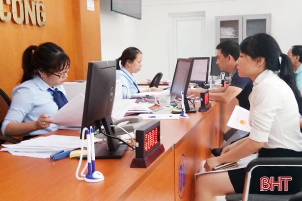 Trung tâm Hành chính công TP Hà Tĩnh tiếp nhận gần 2.300 hồ sơ