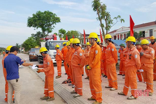 Điện lực Hà Tĩnh tăng cường chỉnh trang lưới điện cơ sở