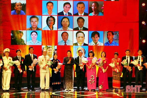 Văn phòng Điều phối nông thôn mới Hà Tĩnh được vinh danh điển hình toàn quốc