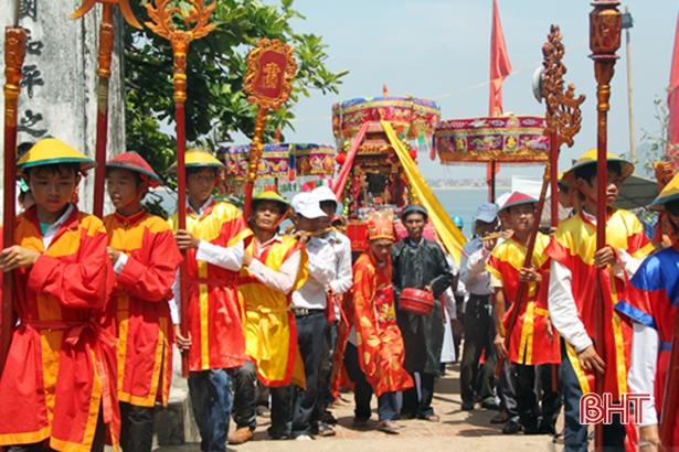 Chuẩn bị kiệu rước và các điều kiện cho Lễ hội đền Chiêu Trưng Lê Khôi