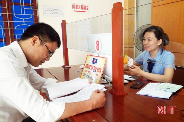 Thạch Hà cấp lại 328 thẻ bảo hiểm y tế cho người dân