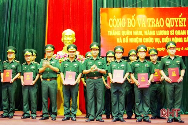 Biên phòng Hà Tĩnh trao quyết định thăng quân hàm, nâng lương, điều động cán bộ