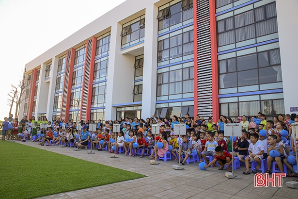 Trường Albert Einstein Hà Tĩnh khai giảng lớp trải nghiệm hè 2018