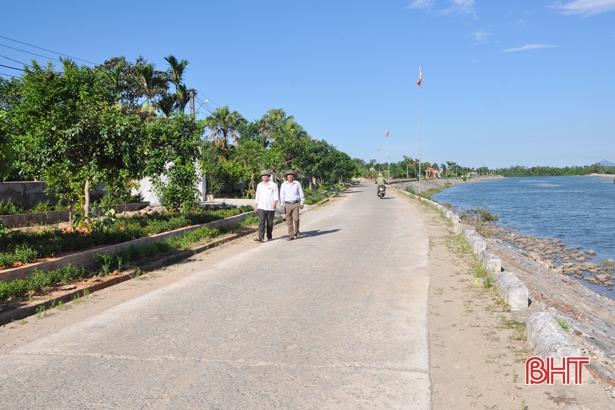Môi trường nông thôn Cẩm Lạc: Sạch từ nhà ra đồng