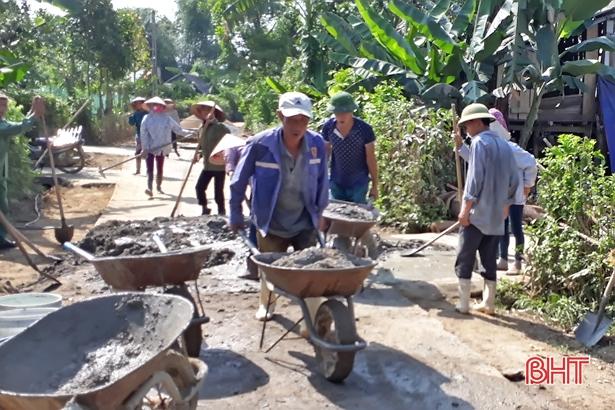 """3 xã cuối cùng huyện Vũ Quang """"tăng tốc"""" về đích nông thôn mới"""