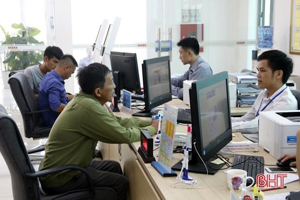 Các trung tâm hành chính công tại Hà Tĩnh hoạt động hiệu quả