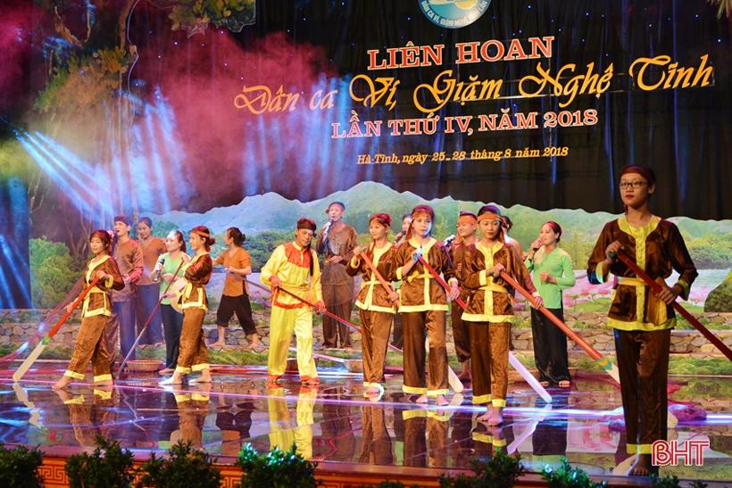 Khán giả Hà Tĩnh được thưởng thức nhiều tiết mục dân ca ví, giặm đặc sắc