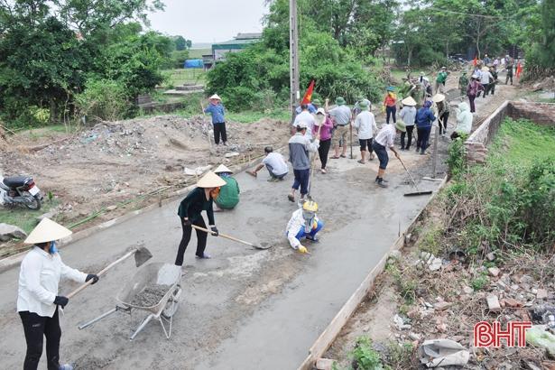 Nông dân hiến kế - của - công… xây dựng nông thôn mới
