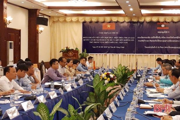 Việt Nam - Lào phối hợp giải quyết vấn đề di cư tự do và kết hôn không giá thú