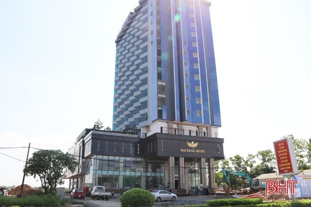 """Thành phố Hà Tĩnh ưu tiên đất """"đẹp"""" đầu tư khách sạn đạt chuẩn"""