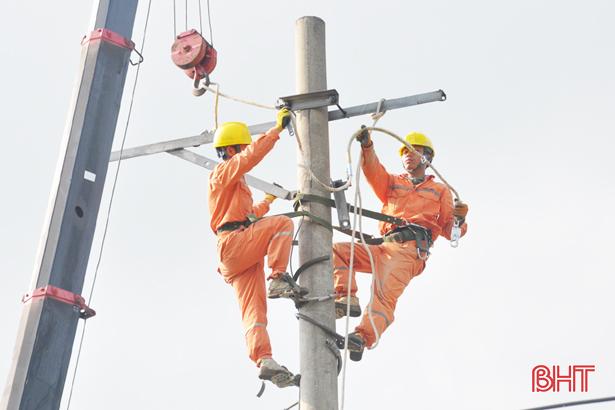 Thử nghiệm giao dịch thủ tục ngành điện tại trung tâm hành chính công
