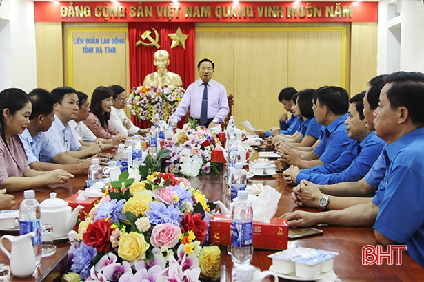 Bí thư Tỉnh ủy gặp mặt đoàn đại biểu Hà Tĩnh dự Đại hội Công đoàn Việt Nam lần thứ XII