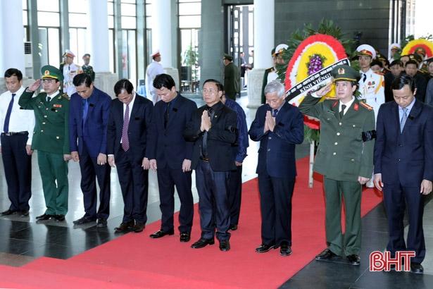 Đoàn đại biểu tỉnh Hà Tĩnh viếng cố Chủ tịch nước Trần Đại Quang