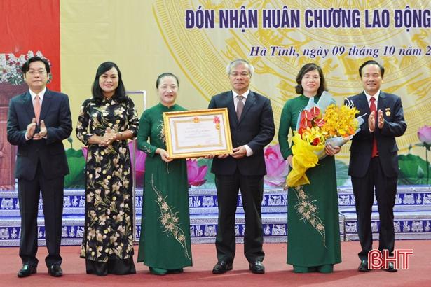 Ủy ban Kiểm tra Tỉnh ủy Hà Tĩnh đón nhận Huân chương Lao động hạng Nhất