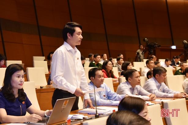Đoàn ĐBQH Hà Tĩnh góp ý về Dự án Luật Phòng, chống tham nhũng sửa đổi