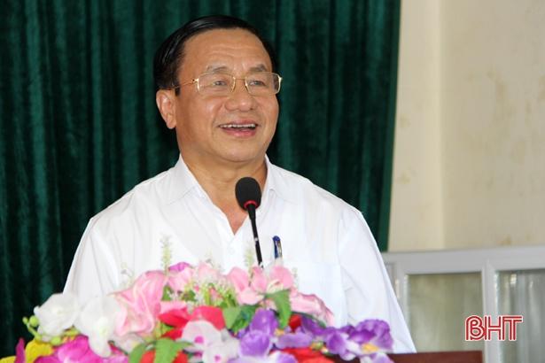 Bí thư Tỉnh ủy Lê Đình Sơn chung vui ngày hội Đại đoàn kết ở Nghi Xuân