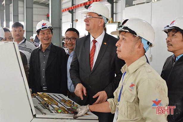 Đoàn công tác CHLB Đức thăm Công ty TNHH Đầu tư xây dựng Trần Châu