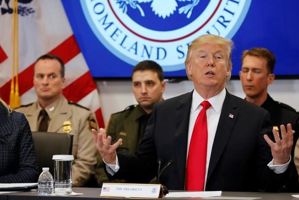 Mỹ lật ngược chính sách, người Việt lại đối mặt nguy cơ bị trục xuất