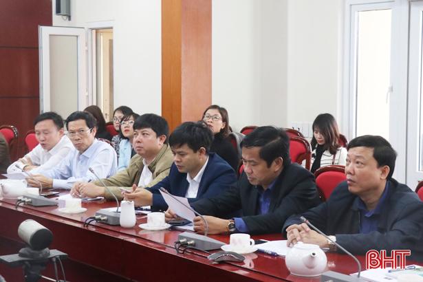 Nghe Trung ương giải đáp thắc mắc trong giải quyết thủ tục hành chính