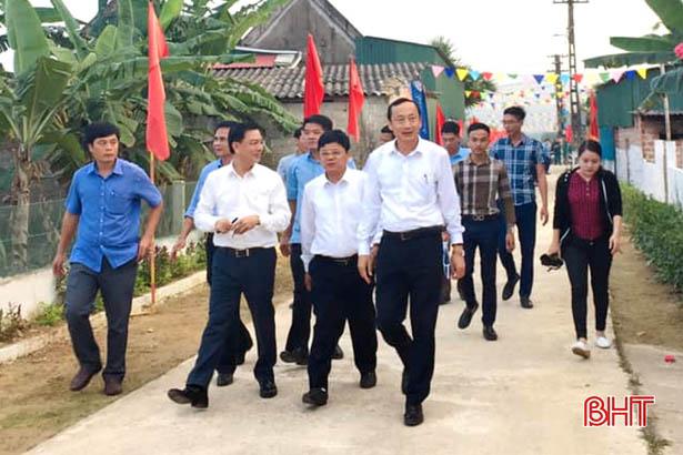 Phó Chủ tịch UBND tỉnh Đặng Ngọc Sơn kiểm tra nông thôn mới xã Thạch Ngọc