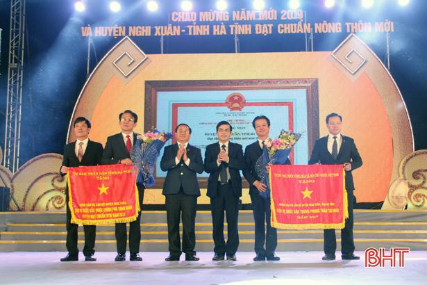 Long trọng đón bằng công nhận huyện Nghi Xuân đạt chuẩn nông thôn mới