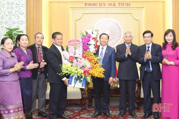 Tỉnh Khăm Muộn chúc Tết Đảng bộ và nhân dân Hà Tĩnh