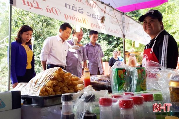 Hà Tĩnh siết chặt công tác đảm bảo an toàn thực phẩm mùa lễ hội Xuân 2019