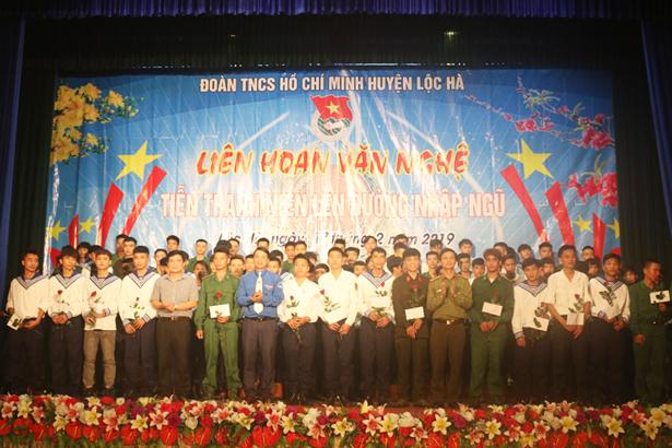 Lộc Hà liên hoan tiễn 88 tân binh lên đường nhập ngũ