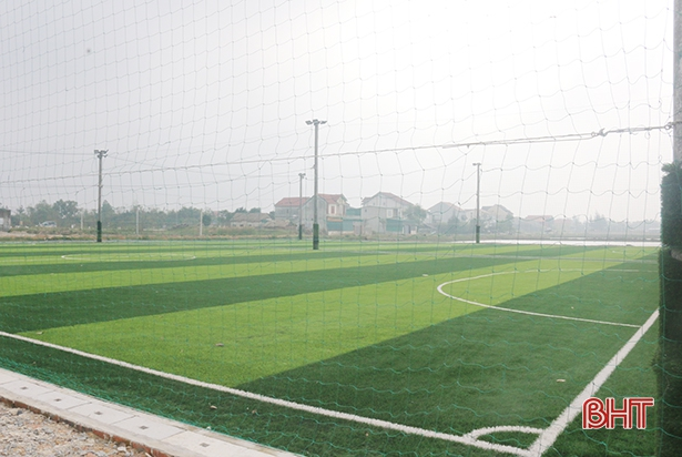 Tự ý xây 2 sân bóng mini, một cá nhân ở Lộc Hà bị phạt 40 triệu đồng