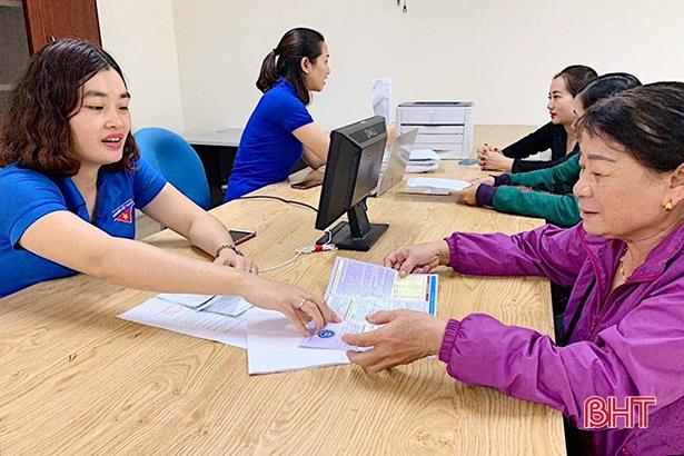 1.000 người dân Hà Tĩnh được giải quyết TTHC trong ngày thứ 7 tình nguyện