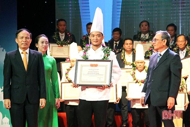 """Giảng viên Trường CĐ Nguyễn Du đạt danh hiệu """"Đầu bếp tiêu biểu toàn quốc"""""""