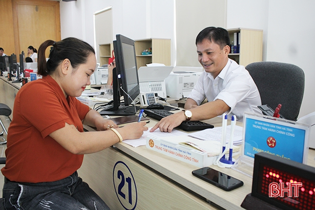 Cán bộ, công chức Hà Tĩnh phải nâng cao tinh thần, thái độ phục vụ nhân dân