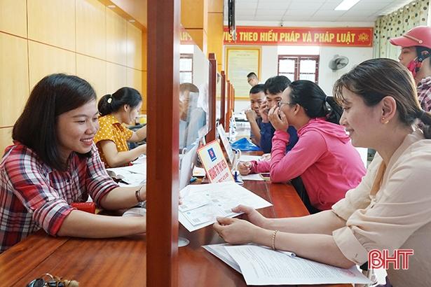 Người dân hài lòng khi giải quyết thủ tục BHXH tại trung tâm hành chính công