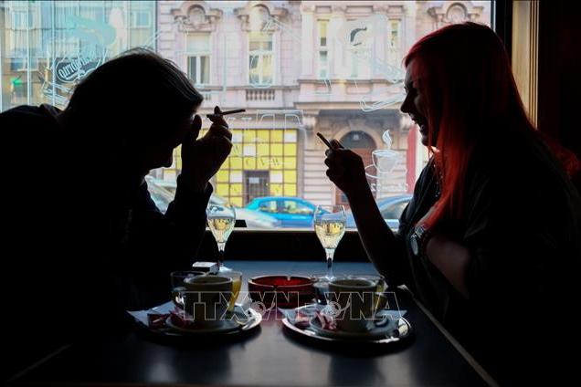 Quốc hội Áo thông qua lệnh cấm hút thuốc trong các quán bar và nhà hàng