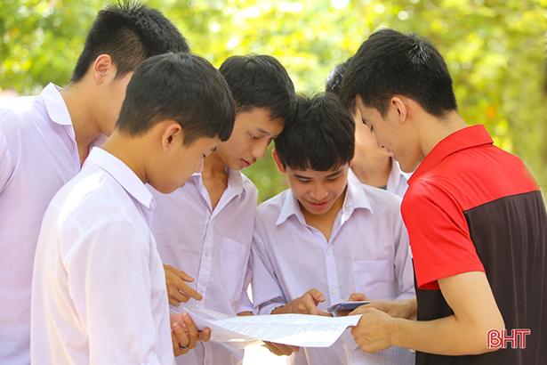 Có 2.049 bài thi đạt điểm 9, tỷ lệ tốt nghiệp THPT ở Hà Tĩnh vẫn thấp hơn năm 2018