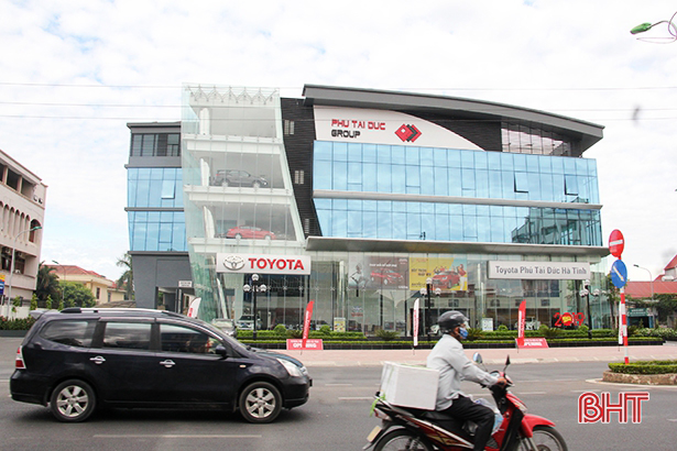 Hà Tĩnh: Doanh thu bán lẻ ô tô 7 tháng tăng 28,03% so cùng kì
