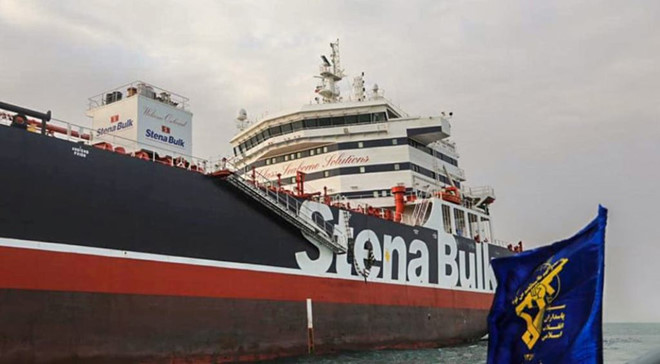 Anh từ chối trao đổi tàu dầu với Iran