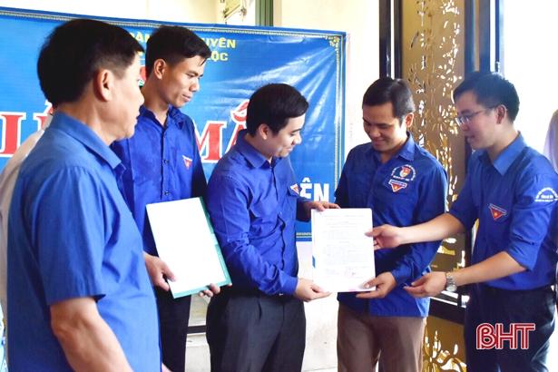 Tỉnh đoàn Hà Tĩnh thiết thực hỗ trợ xã Cẩm Lộc xây dựng nông thôn mới
