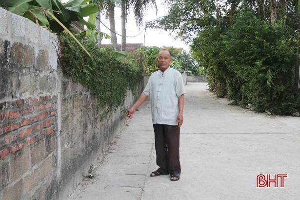 70 tuổi vẫn miệt mài hiến đất, vận động nhân dân làm nông thôn mới