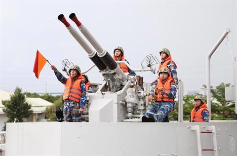 Việt Nam tăng hạn sử dụng thành công tàu đổ bộ Mỹ