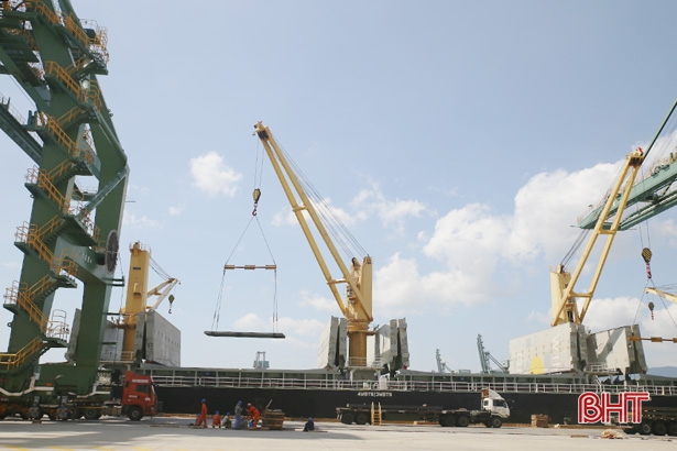 Doanh nghiệp các khu kinh tế góp gần 60% tổng thu ngân sách Hà Tĩnh