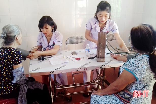 Các bệnh viện ở Hà Tĩnh tuyển dụng thành công hơn 130 bác sỹ về công tác