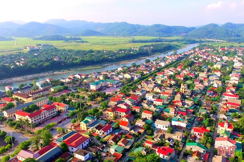 Hương Sơn hoàn thành 24/25 chỉ tiêu kinh tế - xã hội