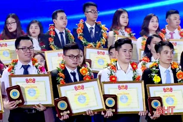 """Nam sinh Hà Tĩnh đạt giải thưởng """"Sao Tháng Giêng"""" cấp trung ương"""